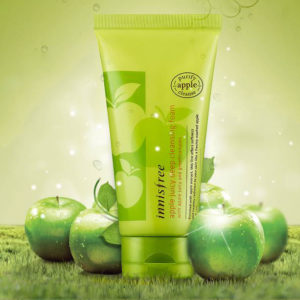 sua rua mat chiec xuat tao xanh cho da hon hop innisfree apple juicy deep cleansing foam